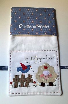 The workshop Maricu: wicker basket-sewing. Sewing Appliques, Applique Patterns, Applique Quilts, Fabric Yarn, Fabric Scraps, Patch Bordado, Sewing Projects, Projects To Try, Farm Quilt
