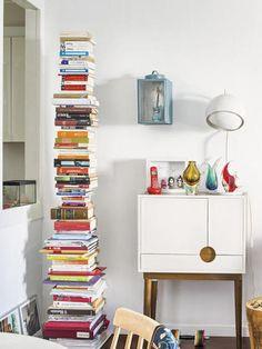 Libros ordenados en torre