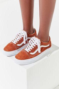 Slide View: Vans Old Skool Suede Sneaker Suede Sneakers, Suede Shoes, Vans Shoes, Sneakers Fashion, Fashion Shoes, Shoe Boots, Vans Suede, Cute Vans, Baskets