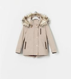 Abrigo beige capucha de Zara Kids ●  39,95€
