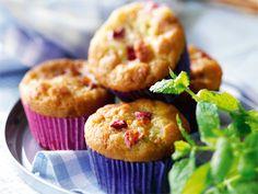 Muffins, rabarber  med vitchoklad Receptbild - Allt om Mat