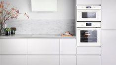 Kjøkken – VOXTORP - IKEA Ikea Metod Kitchen, White Ikea Kitchen, Ikea Kitchen Design, White Kitchen Island, White Kitchen Cabinets, Grey Kitchens, Home Kitchens, Voxtorp Ikea, Ikea Appliances