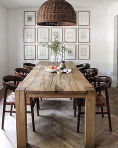 Formal Dining Room Decorating Tips - Interior Decor and Designing Dining Table Lighting, Wooden Dining Tables, Dining Area, Kitchen Dining, Dining Rooms, Modern Table And Chairs, Wooden Dining Table Designs, Large Dining Room Table, Simple Dining Table