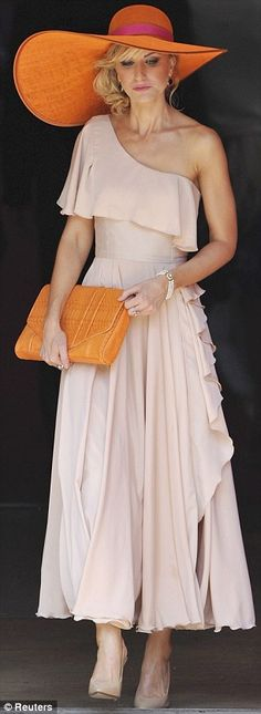 An oldie, but probably my favourite wedding guest outfit of all time. Now - to recreate it for myself...