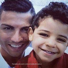 Cristiano y su hijo.