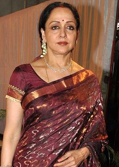 Item numbers will neither save India nor our culture, says Hema Malini! - http://www.bolegaindia.com/gossips/Item_numbers_will_neither_save_India_nor_our_culture_says_Hema_Malini-gid-36235-gc-6.html