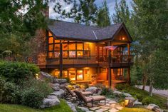Check out Beaver Creek luxury vacation rentals, and start planning a Colorado vacation. Learn about the area, and find the right vacation rental for your budget and group.
