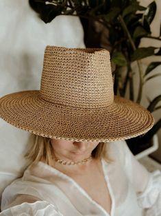 Hat fedora with wide brim. Fedora raffia hat. Fedora summer hat Wide Brim Fedora, Fedora Hat, Raffia Hat, Classic Hats, Wearing A Hat, Summer Hats, Hat Making, Yarn Colors, Hat Sizes