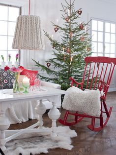 Sanna & Sania: December 2012 - Love love love the simple Scandinavian look.  No fake trees, no glitter, nothing overly shiny and gaudy, just classic and timeless.