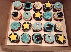Graduation Cupcakes Cupcakes Design, Graduation Cupcakes, Fondant Figures, Gum Paste, Baking Ideas, Party Planning, Boards, Party Ideas, Inspirational