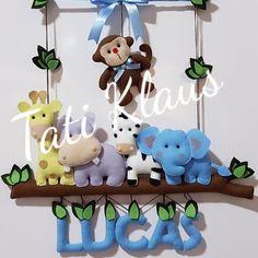 Guirlanda em Feltro!!!! Ideal para decorar a porta do quarto na maternidade e depois o quartinho do bebe. Guirlanda menino!!