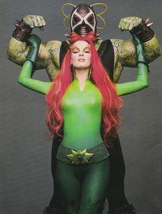 Bane (Jeep Swenson) and Poison Ivy (Uma Thurman) Poison Ivy Cosplay, Poison Ivy Costumes, Mia Wallace, Couple Halloween Costumes For Adults, Halloween Kostüm, Couple Costumes, Disney Costumes, Adult Costumes, Uma Thurman Batman