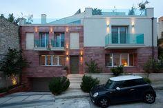 Nikolas Dorizas Architect Tel: +30.210.4514048 Address: 36 Akti Themistokleous – Marina Zeas, Piraeus 18537, Κατοικία στην Καστέλα σε τρεις δρόμους με εξωτερική πισίνα - Residence in Kastela, facing three streets, for a family of three, with an external pool Arch, Garage Doors, Mansions, House Styles, Outdoor Decor, Home Decor, Longbow, Decoration Home, Manor Houses
