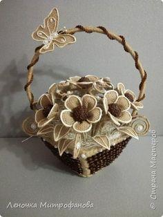 Цветы  и листочки из мешковины, по краям отбеленный шпагат фото 1