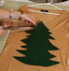 Ugly Christmas Sweater! How to Make an Ugly Christmas Sweater | http://diyready.com/diy-project-ugly-christmas-sweater/