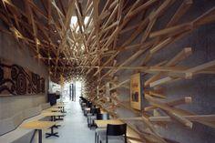 Japanese Starbucks, designed by Kango Kuma.