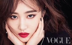 A site about South Korea& top girl groups SNSD Girls Generation f(x) Wonder Girls Kim Hyoyeon, Sooyoung, Yoona, Snsd, Yuri Girls Generation, Kwon Yuri, Night Makeup, Vogue Korea, Beauty Shots