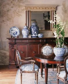 Formal Chinoiserie Dining Room by Michael S Smith Inc #chinoiserie  #dining #formal