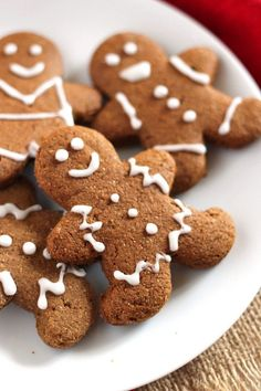 These adorable Vegan Gingerbread Cookies have that classic gingerbread spice and hint of sweetness, but they're whole wheat and made with real ingredients! You use blackstrap molasses and some people have added 1 tsp of nutmeg. Vegan Treats, Vegan Foods, Vegan Dishes, Vegan Desserts, Dessert Recipes, Vegan Gingerbread Cookies, Vegan Christmas Cookies, Vegan Christmas Desserts, Gingerbread Men