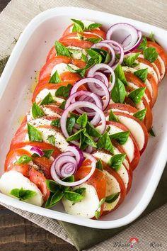 Aromatisch und frisch - ein einmaliges Geschmackserlebnis - so müssen Tomaten schmecken! Vor allem als italienische Vorspeise!