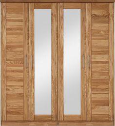 Hochwertiger Kleiderschrank »Alpha« aus FSC®-zertifizierter, massiver Wildeiche. Im eleganten zeitlosen Design, der sich durch langlebige Qualität auszeichnet. Der Schrank überzeugt durch handwerkliche Verarbeitung bis ins Detail. Das Holz ist geölt. Alle Griffe und Beschläge aus Metall. Der Schrank ist in 5 Breiten erhältlich, wahlweise mit oder ohne Spiegeltüren. Hinter jeder Tür ein Ablagebo...