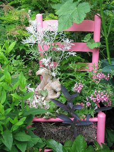 Old chair painted pink :) cute idea container gardening. China Garden, Garden Art, Garden Design, Chair Planter, Garden Posts, Garden Chairs, Swing Chairs, Painted Chairs, Flower Planters