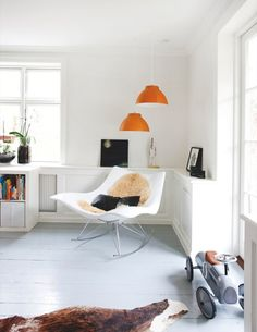 Painted floorboards and oh that chair! - The Copenhagen house of Susanne Brandt and Thomas Ravn Painted Floorboards, Painted Floors, Orange Lamps, Family Room, Home And Family, Anna, Grey Flooring, Modern Interior Design, House Colors
