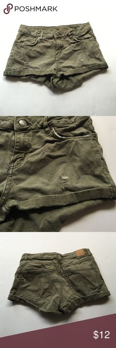 H&m army green shorts Super cute shorts ! Have a distressed style and are cuffed at the bottom are a super cute army green color H&M Shorts