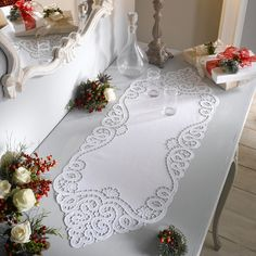 Ришелье Cutwork Embroidery, Embroidery Needles, White Embroidery, Embroidery Designs, Drawn Thread, Machine Embroidery Projects, Cut Work, Crochet Doilies, Romantic Shabby Chic