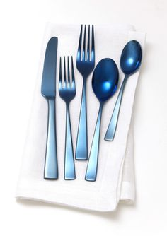 GORHAM 5-Piece Ion-Plated Stainless Steel Place Setting  http://www.ideeli.com/invite/albacarrico0