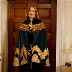 """Hürrem Sultan - """"It is the Policy & Nothing Personal"""" Season Episode 8 Sultan Pictures, Muslim Evening Dresses, Gold And Black Dress, Glamour Dolls, Designs For Dresses, Medieval Fashion, Turkish Beauty, Period Costumes, Teen Vogue"""