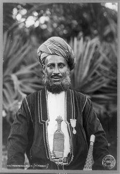 East African official for Germany, formerly a sultan, Tanganyika, Africa [Walimohamed bin Salim [Mikindani]. 1902. Library of Congress.