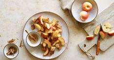 Brot vom Vortag vörig? Dann lässt sich daraus zusammen mit gebratenen Apfelschnitzen im Handumdrehen ein süsses Znacht für die ganze Familie zaubern. Dairy, Cheese, Food, Roast, Food Food, Essen, Meals, Yemek, Eten