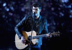 Shawn Mendes y Camila Cabello rockearon el escenario de los People's Choice Awards!
