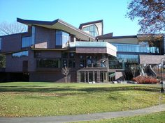 lulu chow wang student center, wellesley college. i miss this.