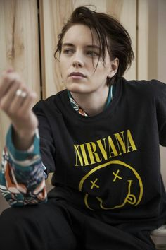 Erika - The Effective Pictures We Offer You About Androgyne editorial A quality picture can t Tomboy Haircut, Androgynous Haircut, Pretty People, Beautiful People, Beautiful Pictures, Blond Hairstyles, Tomboy Hairstyles, Below Her Mouth, Tomboy Look