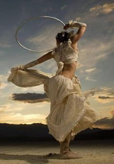epic hooping picture - wonder if this is Miss Rosie? Tribal Fusion, Tango, Flow Arts, Poses, Victor Hugo, Lets Dance, Belly Dancers, Dance Art, Dance Photography