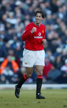 Ruud van Nistelrooy of Man Utd in David Beckham Manchester United, Manchester United Football, Ruud Van Nistelrooy, Man Utd Crest, Professional Football, Old Trafford, Premier League, Holland, Legends