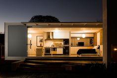 小屋1 480-Square-Foot-12.20-Contemporary-House-Design-5