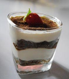 Como Hacer Tiramisu Individual Para Celiacos Delicious Desserts, Dessert Recipes, Comida Latina, Tasty Dishes, Gluten Free Recipes, Mocha, Tiramisu, Bakery, Deserts