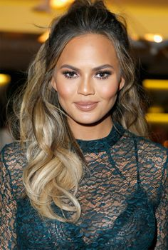 Chrissy Teigen Beauty Look