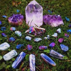 Monday, June 16th, Crystals All Day.... Crystal Grids, Crystals for Healing the Body, Crystals you use to drink, bathe. Have fun, share what you know. Love, Light and Joy