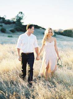 Photography : Patrick Moyer Photography Read More on SMP: http://www.stylemepretty.com/2014/02/27/california-wine-country-engagement-shoot/