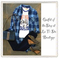 #ootd #outfitoftheday #freepeople plaid blouse #junkfood #jeffersonairplane #bandtee #monab handbag #volatile sandals #lysse leggings #Brandcorazonjewelry necklace find it all @latida_boutique where we are #readyforfall