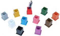Schnell aufräumen nach Montessori-Art. Damit klappt's auf jeden Fall mit den Buntstiften: http://www.montessori-shop.de/material/farbige-montessori-sti-737.php