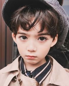 Super Baby Boy Ulzzang Kids Ideas - Best Picture For beautiful kids For Your Taste You are looking for something, and it is going to - Cute Baby Boy, Cute Boys, Cool Kids, Baby Kids, Cute Asian Babies, Korean Babies, Cute Babies, Beautiful Children, Beautiful Babies