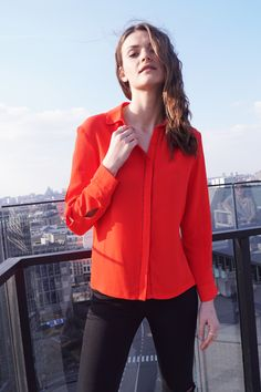 Chemise Gwendoline www.lescomptoirsd... #lescomptoirsdorta #eshop #chemise #gwendoline #rouge #red #spring #collection #crush
