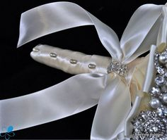 Pearl Brooch Bouquet by Blue Petyl Bridal Bouquet by BluePetyl
