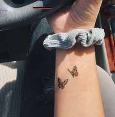 Back Tattoo; Back Tattoo; Dainty Tattoos, Pretty Tattoos, Unique Tattoos, Beautiful Tattoos, Tiny Tattoos For Girls, Cute Small Tattoos, Tattoos For Women, Tattoo Small, Cute Tattoos With Meaning