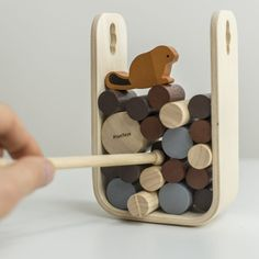Let yourself be inspired by these wooden toy inspirations -Lassen Sie sich von diesen Holzspielzeug-Inspirationen inspirieren und spielen Sie mit Ihrem … # wooden toys inspire Woodworking Toys, Learn Woodworking, Woodworking Projects, Woodworking Magazine, Woodworking Workshop, Wood Games, Montessori Toys, Wood Toys, Wooden Toys For Kids